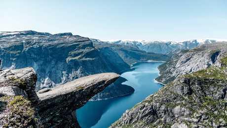 Vue sur la Trolltunga en Norvège dans la région du Skjeggedal