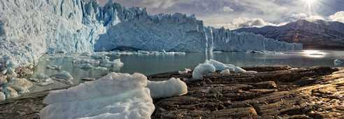 Lumières magiques sur le Perito Moreno en Patagonie