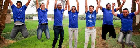 Notre équipe locale en Egypte qui saute