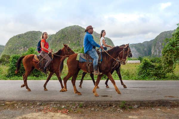 A cheval dans la vallée de Viñales