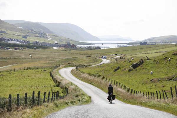 Cycliste North Coast 500 Highland Nord Ecosse