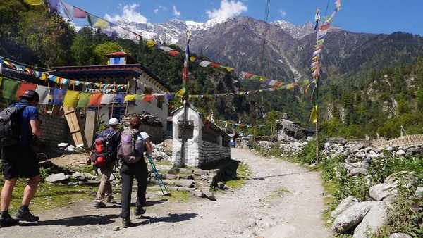 Trekkeurs sur le tour des Annapurnas