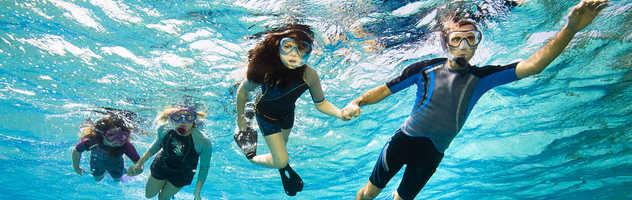 Partir en famille à la rencontre du monde subaquatique