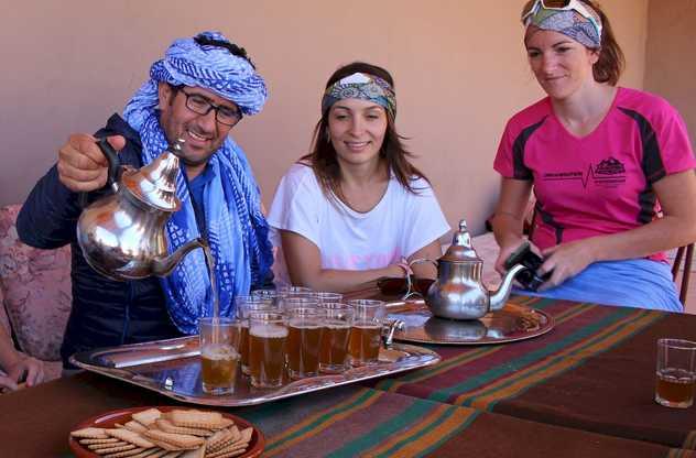 Service du thé, tradition, Maroc