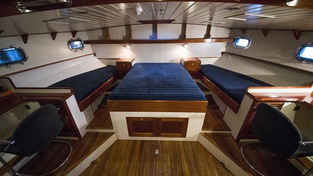 Cabine intérieure du bateau Valiente