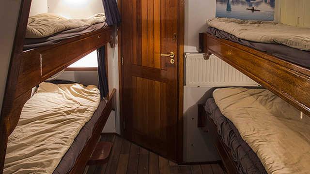 Couchage en cabine du voilier Arktika, croisière voilier en Islande