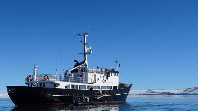 Voyage en bateau de croisière au Svalbard