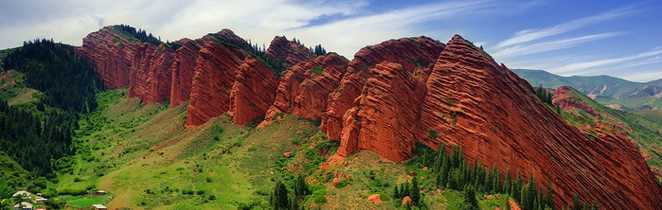 Rochers rouges Jeti Oguz