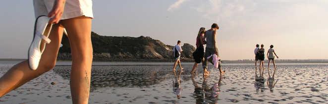 Marche pieds nus dans la baie du Mont Saint Michel