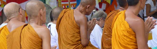 Moines bouddhistes à Bodhgaya, Inde