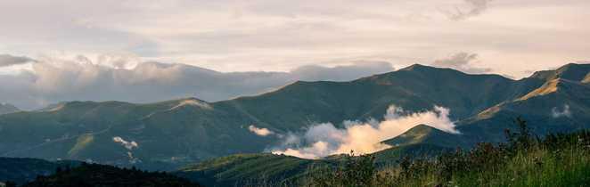 Paysage brumeux du pays Basque