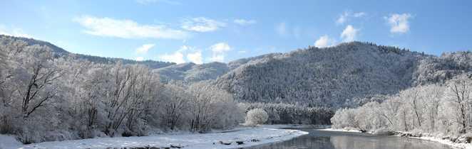 Paysage enneigé de Poprad, porte d'entrée des Tatras, Slovaquie