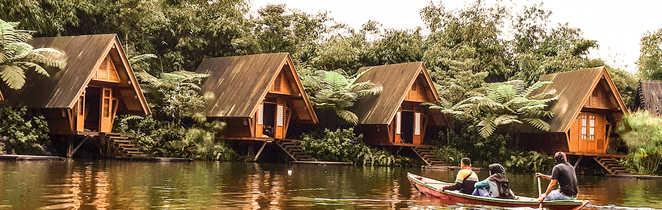 Pirogue dans la jungle à la rencontre des dusuns , Bandung