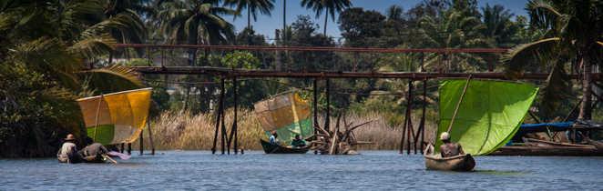 Sur le Canal de Pangalanes à Madagascar
