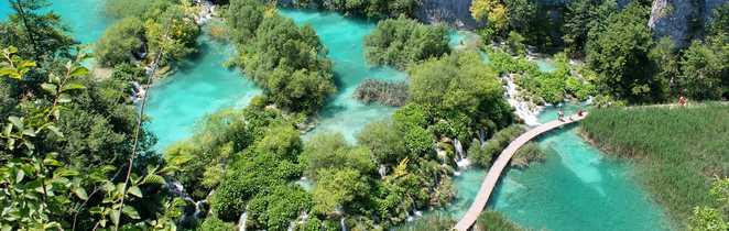 Vue aérienne au Parc National des lacs de Plitvice