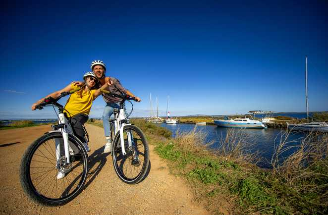 Couple vélo canal du midi