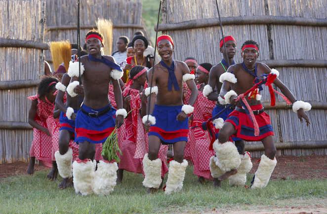 Danse cérémoniale Zulwini en Afrique du Sud