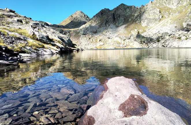 Lac d'altitude de la vallée des merveilles dans le massif du Mercantour
