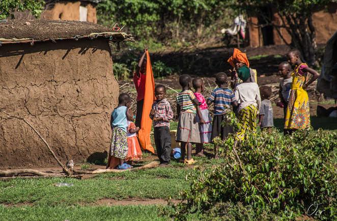 village au pied du mont Kenya
