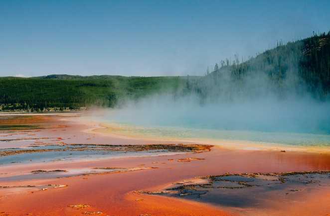 Phénomènes géothermiques dans le Parc de Yellowstone