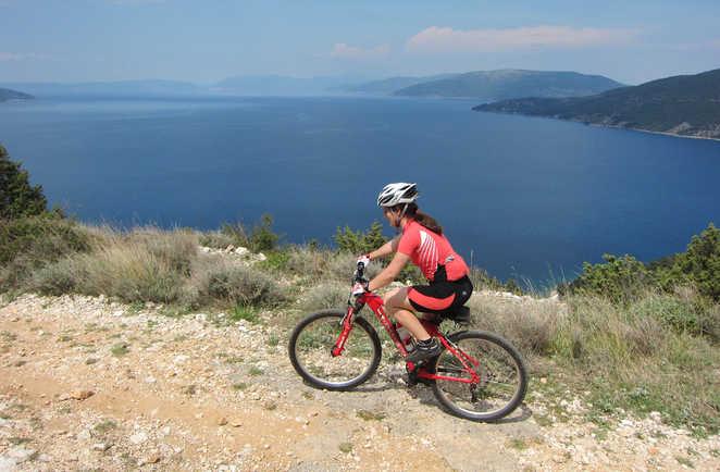 Randonnée à vélo sur les bords de la mer Adriatique en Croatie