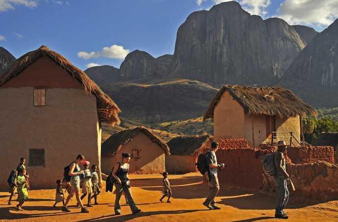 Randonnée et rencontres aux abords de l'Andringitra - vallée de Tsaranoro