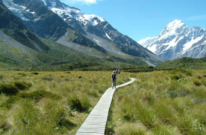 Vue imprenable sur les montagnes lors de la randonnée près du Mont Cook